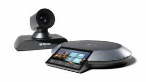 Lifesize Icon 700 mit lebensechter 4K-Bildqualität sowie ultrahoher Auflösung, Inhaltsfreigabe, leistungsstarken Kamera-Zoom und atemberaubendem Klang. Inkludiert mit Lifesize Phone HD, der eleganten Kommandozentrale von Lifesize für Audio-, Video- und Webkonferenzen. Geeignet für große Besprechungsräume.