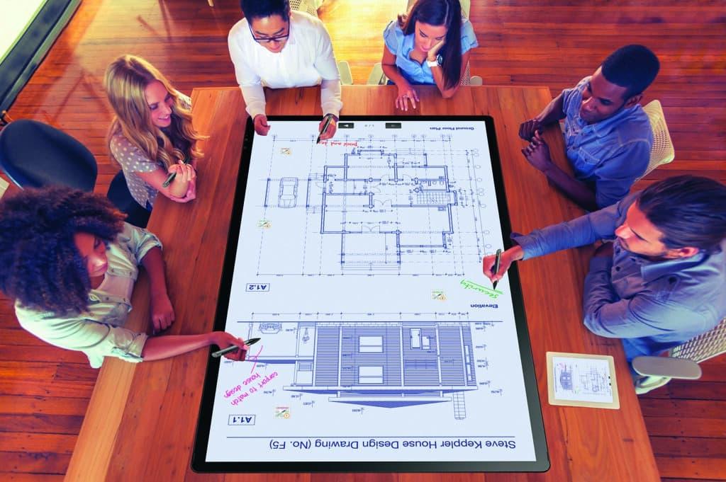 Planung und Beratung für die Einrichtung von Konferenzräumen mit Medienmöbeln und Medientechnik