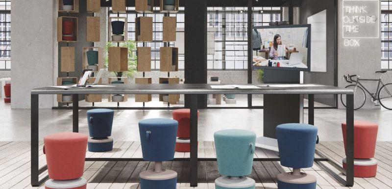 Meeting Point Flex, die kleine Besprechungsecke für kleine und spontane Meetings mit Videokonferenztechnik und Mobiliar von conference-tv.de